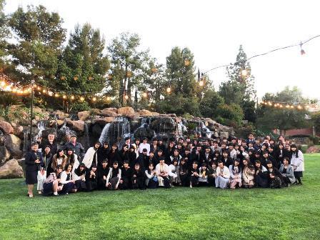 2020.0303 (4) 素敵な中庭で記念写真.JPG