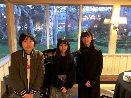 2020.0301 (5) 夕食会をピアノの演奏で盛り上げてくれました。.JPG