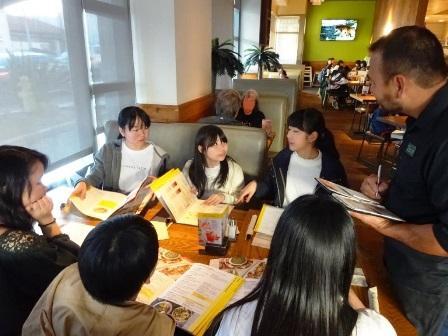 022510今日の夕食はレストラン体験 自分たちで注文します! (A).JPG