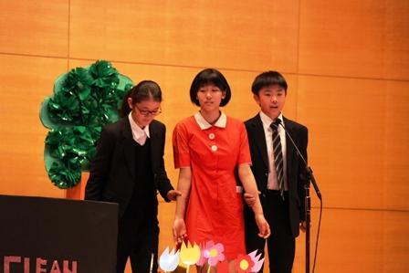 07英語劇中2Yアニー.JPG