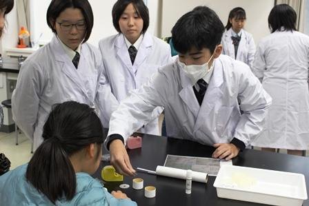 13理科実験教室110.JPG